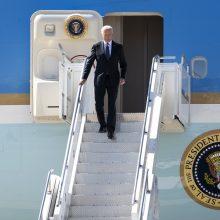 J. Bidenas atvyko į Ženevą prieš susitikimą su V. Putinu