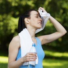 Šiltos dienos gali būti ne į naudą: svarbu atkreipti dėmesį į organizmo siunčiamus signalus