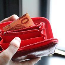 """""""Make up Store Lithuania"""" skandalas: darbuotojos – be algų, bet kaltinamos vagyste"""
