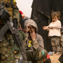 Turkijos operacija Sirijoje privertė iš savo namų bėgti 300 tūkst. gyventojų