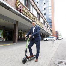 """""""Amberton"""" viešbučių tinklas uždegė žalią šviesą ekologiškam transportui"""