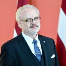 Latvijoje prisaikdintas naujasis prezidentas E. Levitas