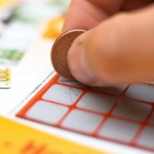 Oficialu: loterijų laimėjimai nebus išmokami asmenims, kuriems nėra 16 metų