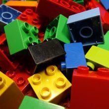 Mokslininkai sukūrė naujos kartos plastiką, kuris turi beveik tobulą savybę