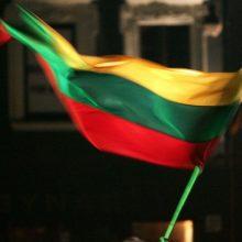 Vandalai – prieš trispalvę: Pasvalyje išniekinta Lietuvos vėliava