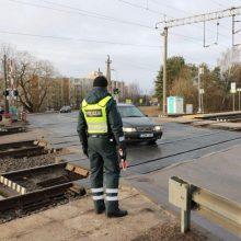 Policija primena, kaip elgtis geležinkelio pervažose
