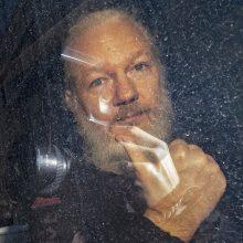Švedijos prokuratūra paprašė išduoti orderį J. Assange