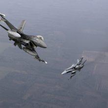 NATO naikintuvai 11 kartų lydėjo Rusijos orlaivius