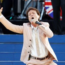 Britų atlikėjas C. Richardas po 14 metų pertraukos išleidžia naują albumą