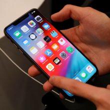 """JAV teismas teisia vyrą už 1,5 tūkst. telefonų """"iPhone"""" išviliojimą iš """"Apple"""""""