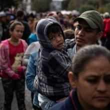 JAV: kovą sulaikyta per 100 000 migrantų, nelegaliai kirtusių sieną su Meksika