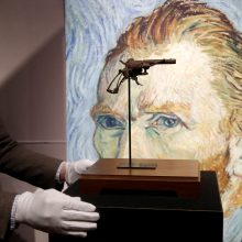 Parduotas revolveris, kuriuo galimai nusišovė V. van Goghas