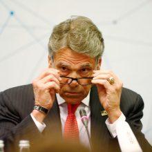 D. Trumpas skelbia apie energetikos sekretoriaus R. Perry pasitraukimą