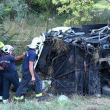 Vengrijoje per autobuso avariją žuvo aštuoni žmonės