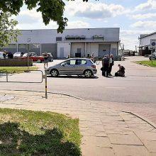 Skaudi nelaimė Panevėžyje – automobilis mirtinai sužalojo moterį