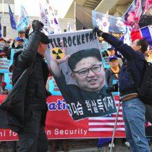 Kim Jong Unas atvyko į Hanojų susitikti su D. Trumpu