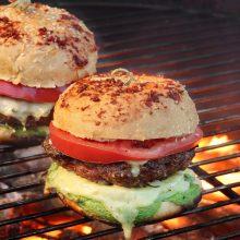 """""""Grill&Fun"""": kaip ant grilio paruošti apdovanojimo vertą mėsainį?"""