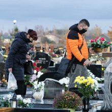 Klaipėdos kapinėse – sujudimas prieš Motinos dieną
