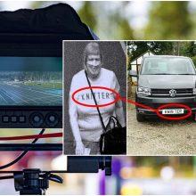 Kuriozinė situacija: vairuotojas sulaukė baudos dėl užrašo ant marškinėlių