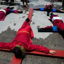 Ekstremalios Velykos: plakimasis ir nukryžiavimai Filipinuose