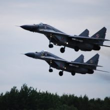 NATO naikintuvai keturiskart lydėjo Rusijos orlaivius virš Baltijos jūros