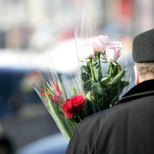 Kovo 8-tąją moterims padovanojama šimtai tūkstančių tulpių žiedų
