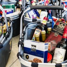 Stipriųjų gėrimų parduota 1 mln. litrų mažiau