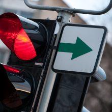 Svarbūs pokyčiai vairuotojams: neliks lentelės su žalia rodykle