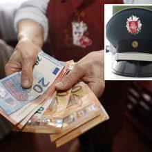 Šiauliuose policininku apsimetęs sukčius iš senyvos moters išviliojo 5 tūkst. eurų