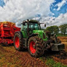 Mechanikas teisme aiškinsis, kodėl pardavė jam remontuoti paliktus traktorius