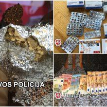 Klaipėdos pareigūnai sulaikė keturis su narkotikų platinimu susijusius asmenis