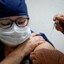 Ukrainos ekspertas neįžvelgia racionalaus pagrindo pirkti rusiškas COVID-19 vakcinas