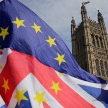 """Britų parlamentarai nepaisydami ES pasipiktinimo parėmė naują """"Brexito"""" įstatymą"""