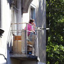 Draudimas rūkyti balkonuose: jau 156 klaipėdiečių namuose rūkoriai nepageidaujami