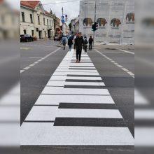 Unikali iniciatyva: perėja šalia MO muziejaus tapo pianino klavišais
