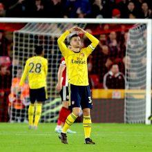 """Staigmena Anglijoje: """"Arsenal"""" krito Šefilde"""