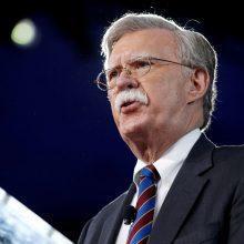 J. Boltonas: Irano tyla dėl JAV pasiūlymo derėtis kurtina