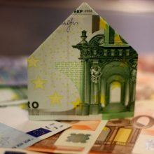 Papildomas mokestis bankams: paskaičiavo, kiek gyventojams brangtų būsto paskolos