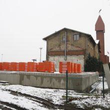 Klaipėdiečiai smalsauja: koks statinys dygsta šalia senosios geležinkelio stoties?