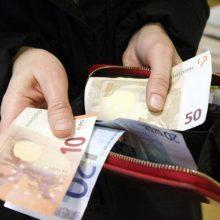 Bankai toliau mažina grynųjų pinigų operacijas: kokie pokyčiai laukia gyventojų?