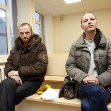 Sugyventiniai: S.Auzacalitaitė ir R.Stulpinš pyko ant aukos už apkalbas.