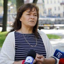 Kovotoja prieš smarvę R. Zabovė munduro neišsibalino