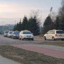 Jonavos taksistus tikrino FNTT: rasta daugybė pažeidimų
