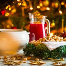 Etnologai apie lietuvių Kūčių ir Kalėdų tradicijas: iš kur kilo švenčių papročiai?