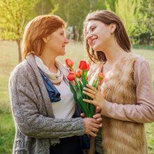 Motinos dienos šventė keliaujant po pasaulį: nuo nuoširdžių apkabinimų iki fejerverkų