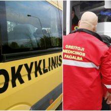Skaudi avarija Vilniaus rajone: sunkvežimis rėžėsi į vaikus vežusį autobusą