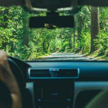 Senjorus kviečia nemokamai atnaujinti vairavimo įgūdžius