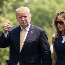 D. Trumpas pavadino savo vizitą į Japoniją labai sėkmingu