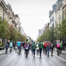 Vilnius kvietė į miesto žygį – dviračiais, paspirtukais, viešuoju transportu