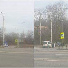 Netoli M. K. Čiurlionio tilto teisės vairuoti neturintis vyras nuvertė pėsčiųjų perėjos ženklą